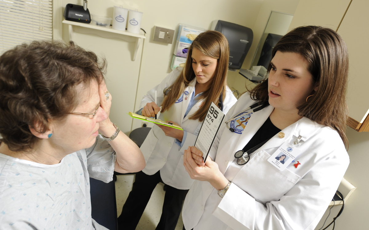 Osteopathic Colleges Bet on Hybrid Schools to Ease Physician